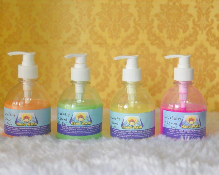 Handwash 250ml Rs 80